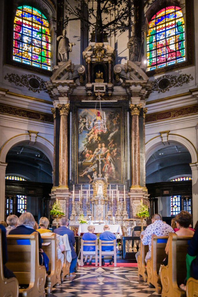 Misviering huwelijksverjaardag Basiliek van Scherpenheuvel. Familie en portretfotografie