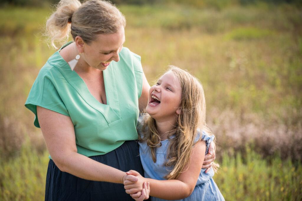 Moeder en docht. Familie en portretfotografie